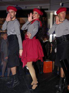 31-la-folie-douce-cabaret-shows-and-live-music
