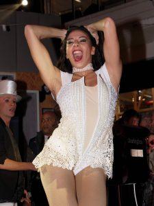 35-la-folie-douce-cabaret-shows-and-live-music1