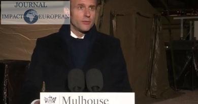 """Coronavirus : Emmanuel Macron promet """"un plan massif d'investissement"""" et  vingt-cinq premières ordonnances adoptées par Conseil des ministres"""