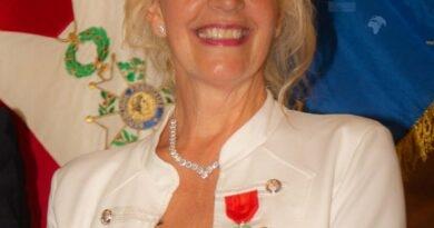 Croix de Chevalier de la Légion d'Honneur pour Marie Bardot
